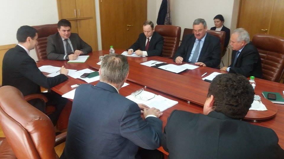 Biroul executiv al Comisiei naţionale pentru consultări şi negocieri colective s-a întrunit în ședință la 16 noiembrie