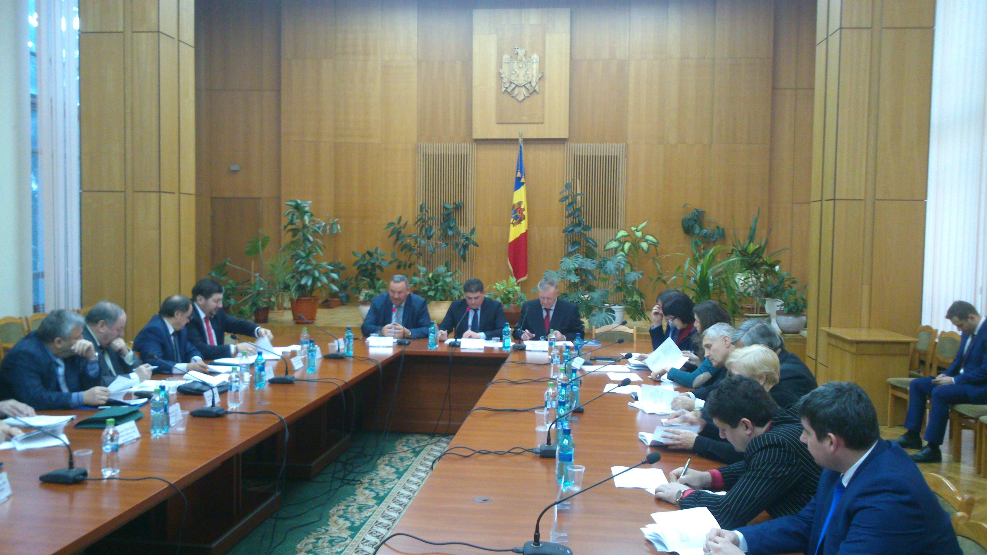 Comisia tripartită s-a întrunit în ultima şedinţă din anul curent