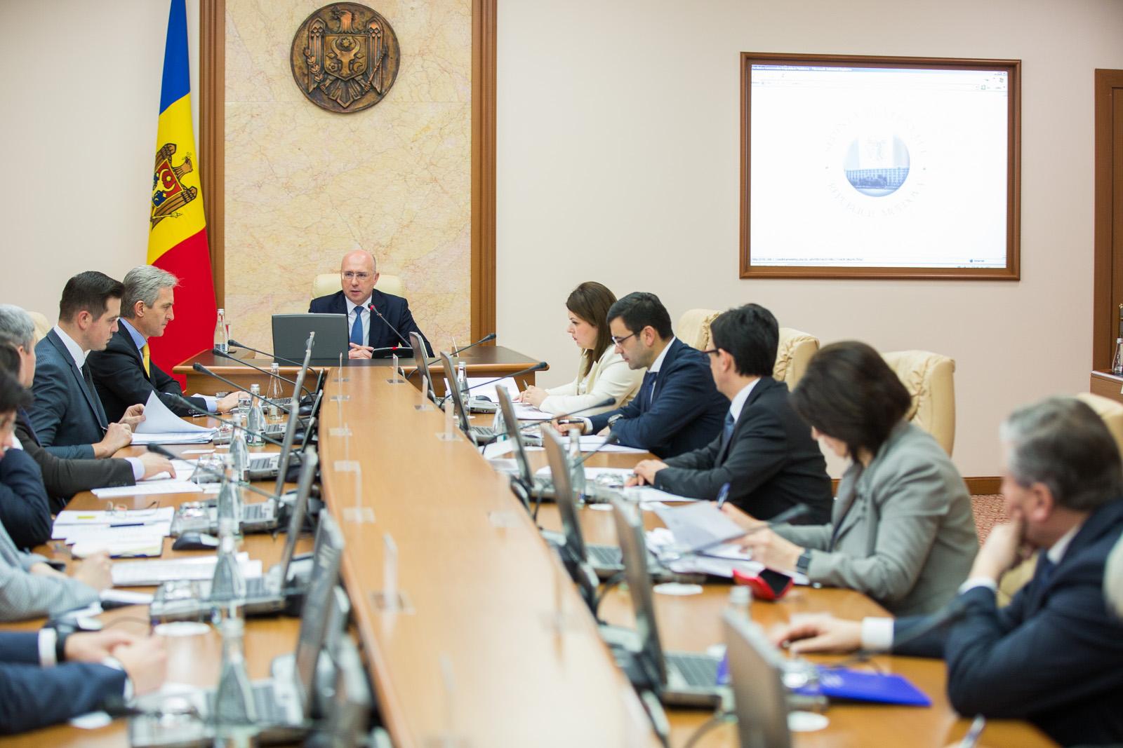 Guvernul Republicii Moldova a aprobat astăzi noua componență a părții guvernamentale a Comisiei tripartite